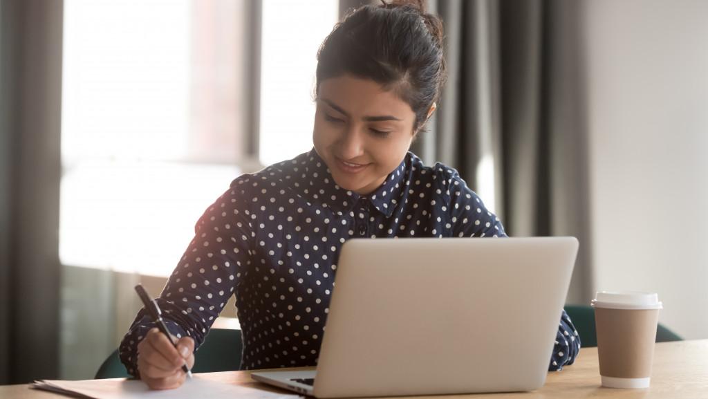 woman managing startup